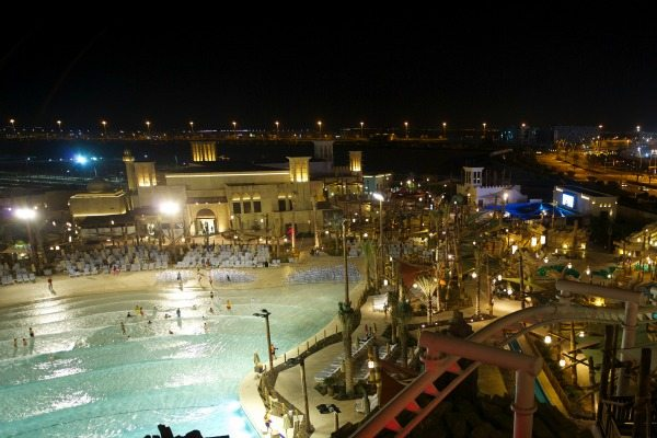 yas-waterworld-amwaj-wave-pool