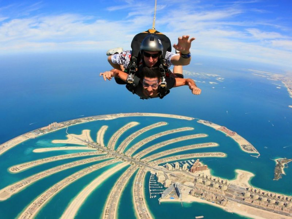 The Ultimate Guide To Skydiving in Dubai - All You Need To Know